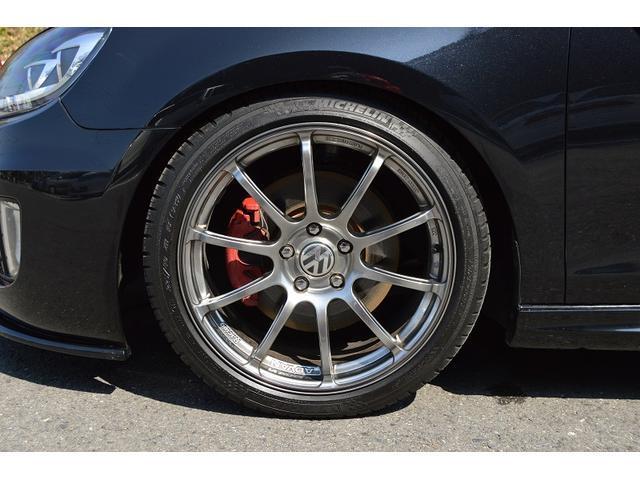 GTI COXマフラー 社外18インチAW 車高調 社外ナビ(14枚目)