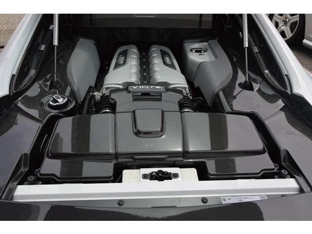 5.2FSIクワトロ 4WD V10後期 黒革 ダウンサス(8枚目)