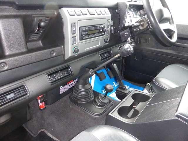ランドローバー ランドローバー ディフェンダー 110SE ディーゼルターボ 4WD 正規D車Td5