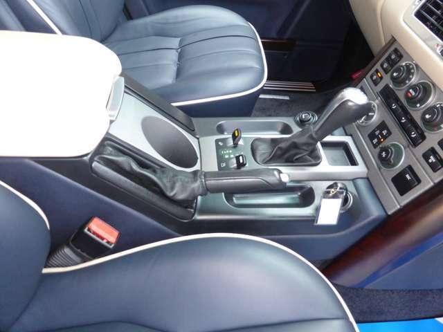 ランドローバー レンジローバー ヴォーグ 4WD 20AWネイビーレザー