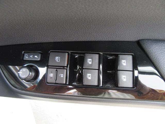 S 衝突被害軽減システム TVナビ バックカメラ 1年走行距離無制限保証付き トヨタ認定中古車 アルミホイール スマートキー(5枚目)