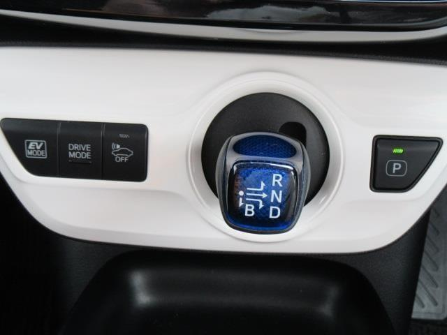 S 衝突被害軽減システム TVナビ バックカメラ 1年走行距離無制限保証付き トヨタ認定中古車 アルミホイール スマートキー(12枚目)