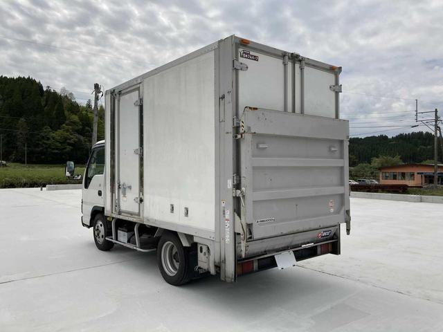 冷凍冷蔵庫・5MT(クラッチフリー スムーサーE)・-5℃まで冷凍・パワーゲート付き(600kg)・バックカメラ・パワーウィンドウ(5枚目)