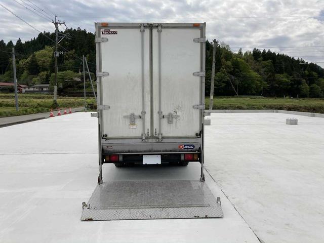 冷凍冷蔵庫・5MT(クラッチフリー スムーサーE)・-5℃まで冷凍・パワーゲート付き(600kg)・バックカメラ・パワーウィンドウ(9枚目)