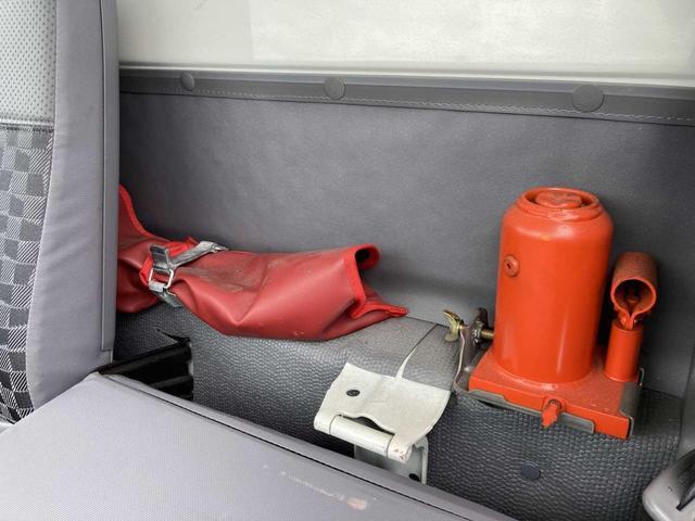 冷凍冷蔵庫・5MT(クラッチフリー スムーサーE)・-5℃まで冷凍・パワーゲート付き(600kg)・バックカメラ・パワーウィンドウ(40枚目)
