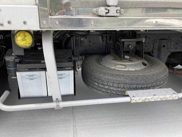 冷凍冷蔵庫・5MT(クラッチフリー スムーサーE)・-5℃まで冷凍・パワーゲート付き(600kg)・バックカメラ・パワーウィンドウ(50枚目)