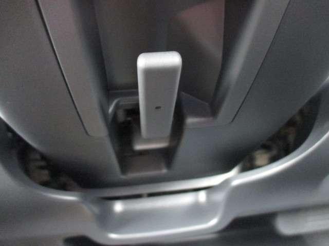 最適な位置に調整できるチルトハンドル