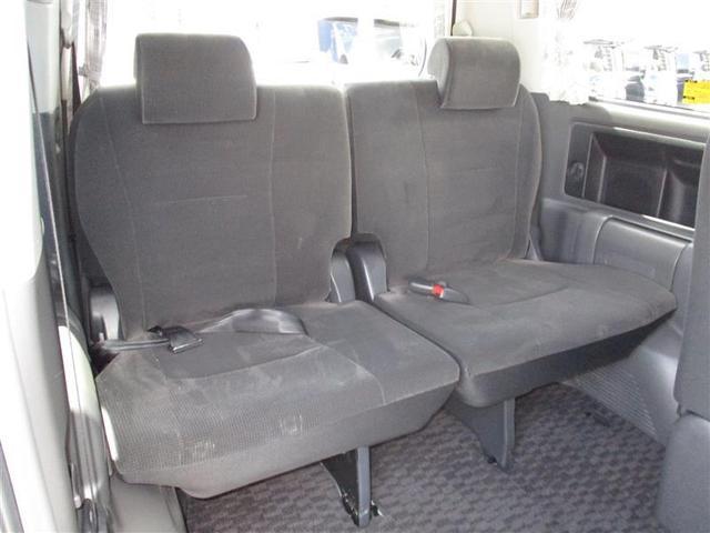サードシートもゆったり乗れます