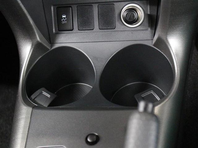 スタイル 1年保証 4WD フルセグ メモリーナビ DVD再生 ミュージックプレイヤー接続可 バックカメラ ETC HIDヘッドライト ワンオーナー 記録簿(13枚目)