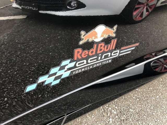 ルノー スポール レッドブル・レーシング RB7  RB7(3枚目)