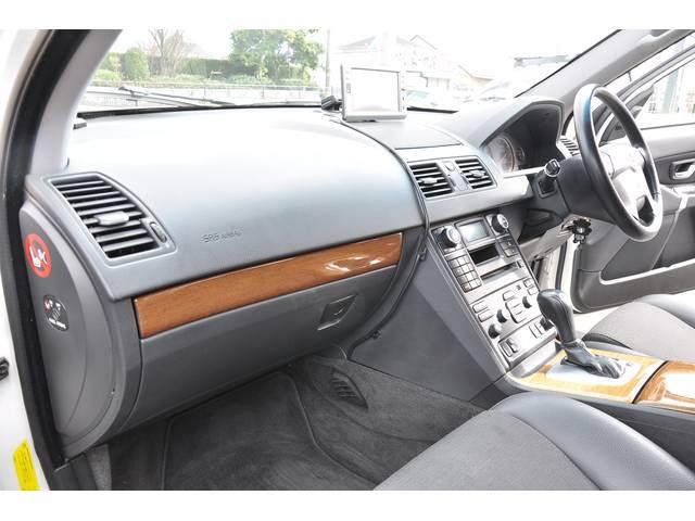 ボルボ ボルボ XC90 3.2 AWD ハーフレザーシート