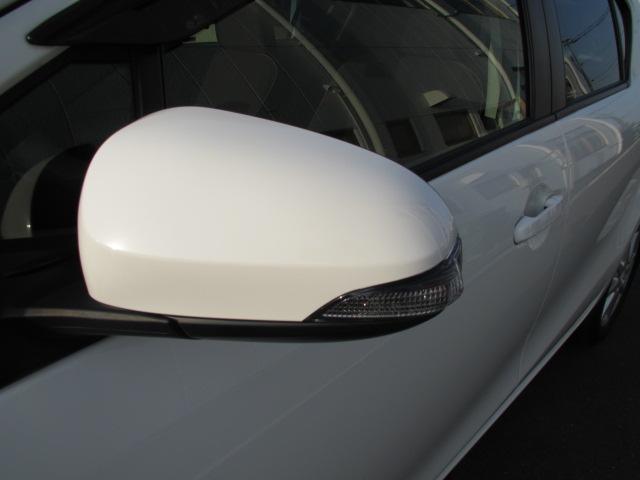 トヨタ アクア G フルセグナビ LEDライト ドラレコ ETC アルミ