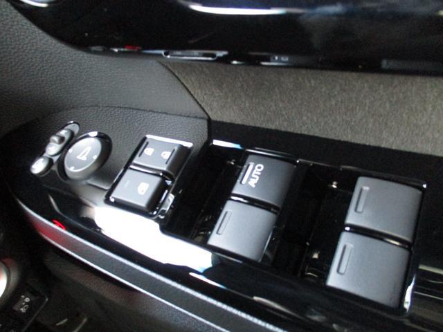 L 届出済未使用車 ホンダセンシング・衝突被害軽減ブレーキ 車線逸脱警報 LEDヘッドライト ハイビームアシスト アルミホイール フルオートエアコン フォグランプ 左側電動スライドドア 6km(51枚目)