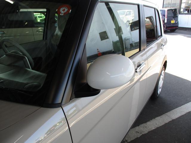 モード 届出済未使用車 前後衝突被害軽減ブレーキ 前後誤発進抑制機能 車線逸脱警報 標識認識 ハイビームアシスト ディスチャージヘッドライト 2シートヒーター 特別内装仕様 専用フロアマット付属 4km(4枚目)