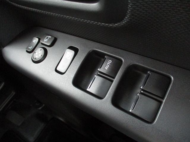 ハイブリッドXZ 禁煙車 LEDヘッドライト ハイビームアシスト 両側電動スライドドア アダプティブクルーズコントロール シートヒーター 前後衝突被害軽減 障害物センサー 2616km ルーフレール 車線逸脱警報(56枚目)