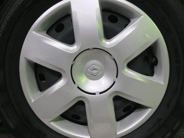 車輛詳細写真を合計80枚掲載中!ヘッドライトやホイール、タイヤなどの各パーツ類からボンネットやフェンダー、ドアなどの各パネル類、さらに内装面ではシートも座面、背面など各部ごとに細かくご確認頂けます。
