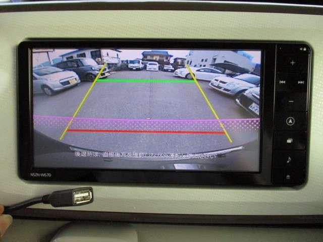 純正ナビ/地デジ/CD/DVD/Bluetooth/USB/バックカメラ