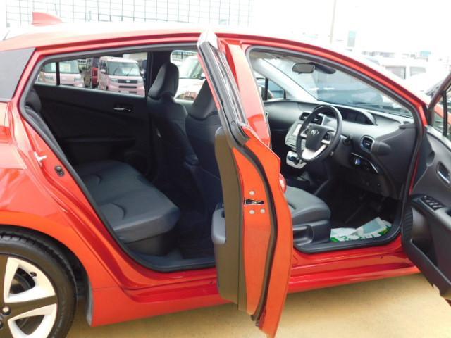 Sツーリングセレクション ワンオーナー車 フルセグ内蔵メモリーナビ バックモニター ETC ドライブレコーダー LEDヘッドライト シートヒーター付(運転席/助手席) キーフリー 走行距離30,899km(11枚目)