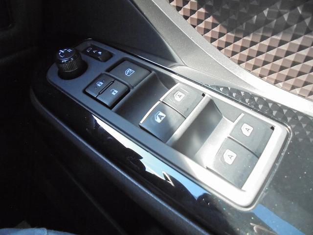 トヨタ C-HR G 本革シート LEDライト 登録済未使用/未使用 全国保証