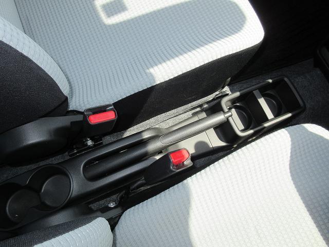 GL レーダーブレーキサポート 衝突軽減 ナビ/フルセグTV/DVD再生/CD シートヒーター アイドリングSTOP キーレス ABS/Wエアバッグ フロアマット ドアバイザー 禁煙車 全国保証(16枚目)