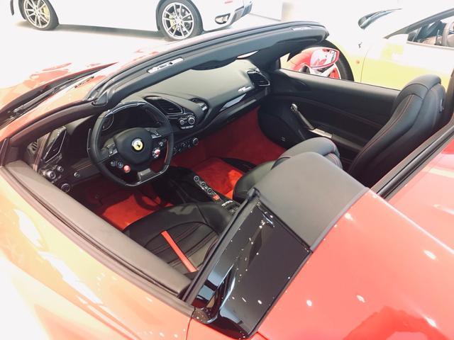 ディーラー車 F1DCT LHD(9枚目)
