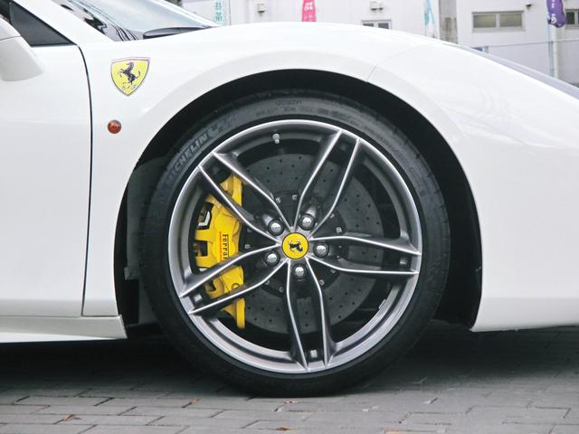 フェラーリ フェラーリ 488スパイダー ベースグレード ダイヤモンド鍛造20AW レーシングシート