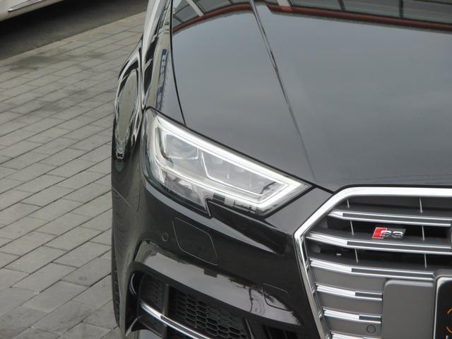 アウディ アウディ S3セダン ベースグレード マトリクスLED ナッパレザー 赤キャリパー