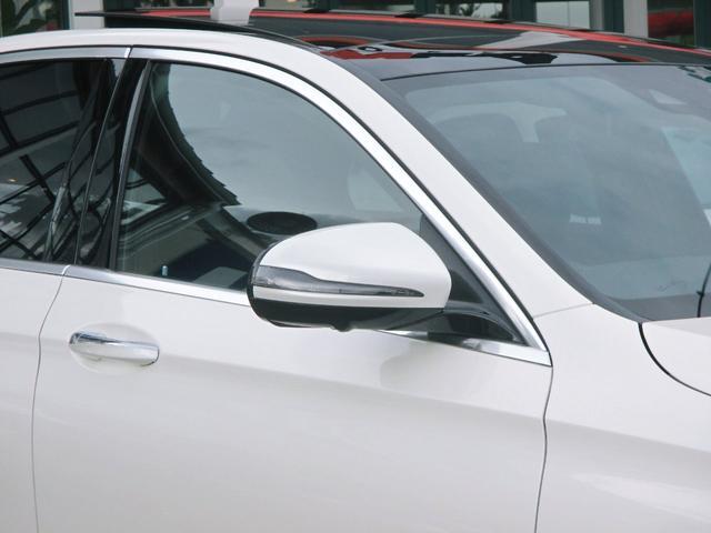 電動調整・可倒式ヒーテッド・ドアミラー(ウインカー・足元照明内蔵) リバースポジション機能付ドアミラー(助手席側)