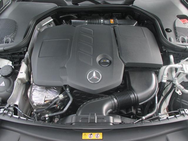 1,949cc DOHC 直列4気筒ターボチャージャー付ディーゼルエンジン