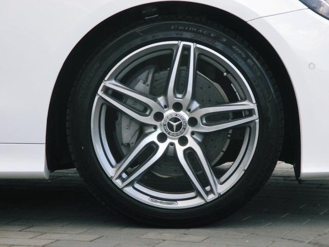 Mercedes-Benzロゴ付ブレーキキャリパー&ドリルドベンチレーテッドディスク(フロント) タイヤ空気圧警告システム