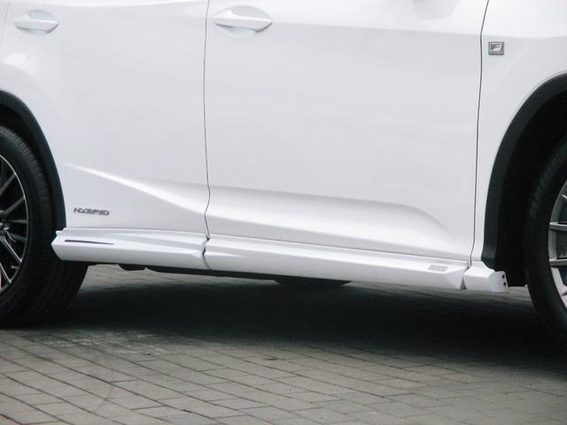RX450h Fスポーツ AWD ルーフレール+パノラマルーフ アダプティブハイビーム インテリジェントクリアランスソナー 寒冷地仕様 パノラミックビュー BSM おくだけ充電 セカンド電動シート+ヒーター TOM'Sエアロ(12枚目)