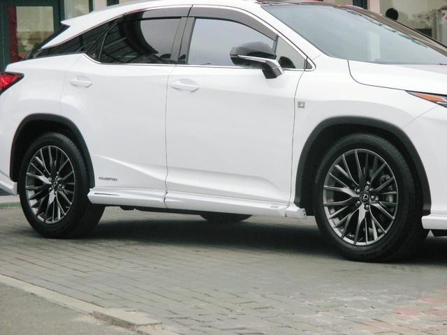 RX450h Fスポーツ AWD ルーフレール+パノラマルーフ アダプティブハイビーム インテリジェントクリアランスソナー 寒冷地仕様 パノラミックビュー BSM おくだけ充電 セカンド電動シート+ヒーター TOM'Sエアロ(13枚目)