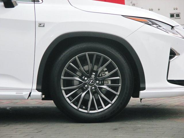 RX450h Fスポーツ AWD ルーフレール+パノラマルーフ アダプティブハイビーム インテリジェントクリアランスソナー 寒冷地仕様 パノラミックビュー BSM おくだけ充電 セカンド電動シート+ヒーター TOM'Sエアロ(14枚目)