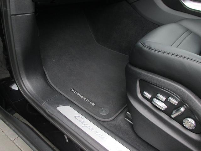「ポルシェ」「カイエン」「SUV・クロカン」「福岡県」の中古車40
