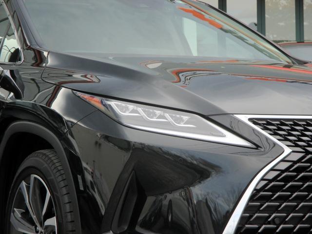RX450h バージョンL パノラマルーフ ルーフレール おくだけ充電 セミアニリンブラックレザーシート パノラミックビュー ブラインドスポットモニター 三眼フルLEDライト ヘッドアップディスプレイ 後席パワーシート(6枚目)