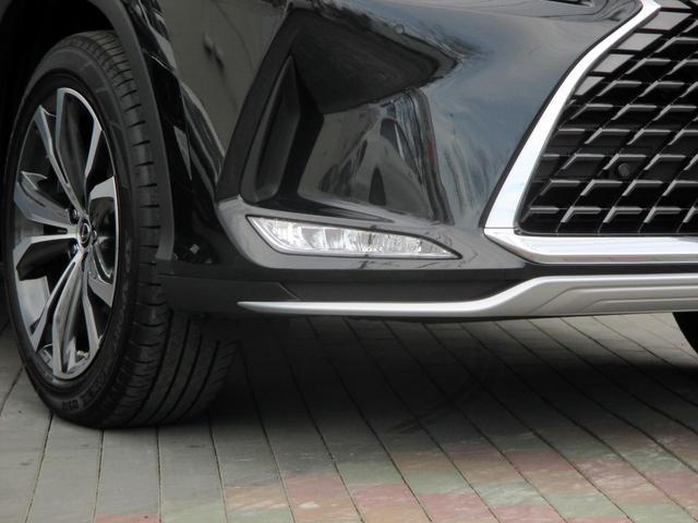 RX450h バージョンL パノラマルーフ ルーフレール おくだけ充電 セミアニリンブラックレザーシート パノラミックビュー ブラインドスポットモニター 三眼フルLEDライト ヘッドアップディスプレイ 後席パワーシート(7枚目)