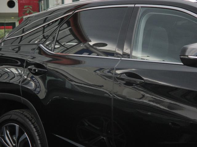RX450h バージョンL パノラマルーフ ルーフレール おくだけ充電 セミアニリンブラックレザーシート パノラミックビュー ブラインドスポットモニター 三眼フルLEDライト ヘッドアップディスプレイ 後席パワーシート(13枚目)