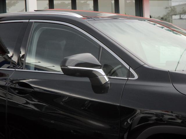 RX450h バージョンL パノラマルーフ ルーフレール おくだけ充電 セミアニリンブラックレザーシート パノラミックビュー ブラインドスポットモニター 三眼フルLEDライト ヘッドアップディスプレイ 後席パワーシート(15枚目)