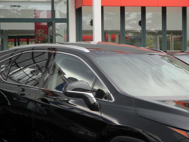 RX450h バージョンL パノラマルーフ ルーフレール おくだけ充電 セミアニリンブラックレザーシート パノラミックビュー ブラインドスポットモニター 三眼フルLEDライト ヘッドアップディスプレイ 後席パワーシート(17枚目)