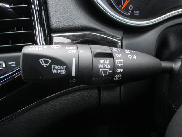 トレイルホーク 152台限定車 74台限定カラー スエードインサートレザーシート シートベンチレーション 専用18インチホイール ブラックボンネットデカール 純正ナビ 地デジTV フロントサイドバックカメラ(61枚目)