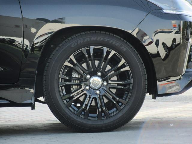 LX570ブラックシークエンス ワンオーナー 特別仕様車 8人乗り三列シート TRD21インチAW マークレビンソンサウンド セミアニリン本革シート(ダイヤモンドステッチ) シートヒーター・ベンチレーション パノラミックビューモニタ(7枚目)