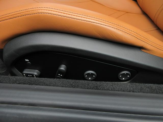 ベースグレード カーボンLEDステアリング カーボンセンターブリッジ カーボンフィルターボックス イエローキャリパー 20インチダークペイント鍛造AW イエローレブカウンター リフター(21枚目)