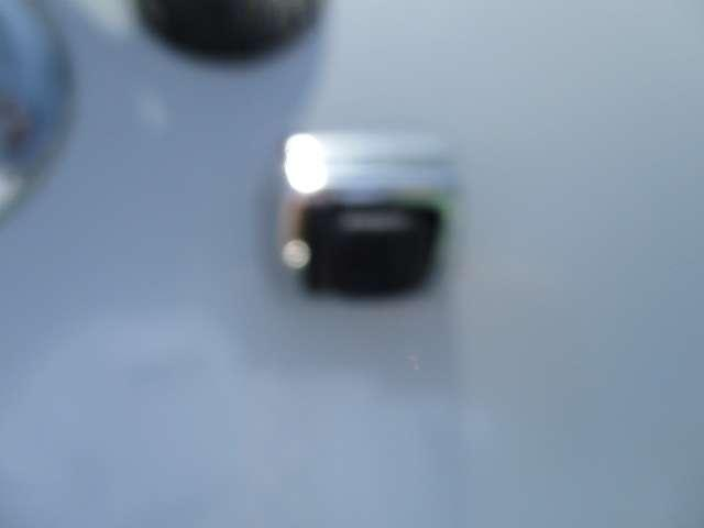 カスタムG 純正ナビ・フルセグTV・Bluetooth・Bカメラ ABS DVD スマキー エコアイドル フルセグ ナビTV付 CD キーフリーシステム メモリーナビ アルミホイール オートエアコン フルフラット(16枚目)