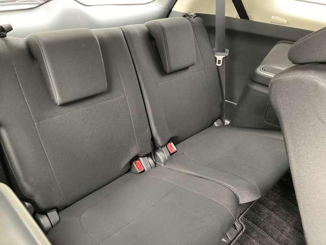 サードシートを出せば7人乗りとして使えます。