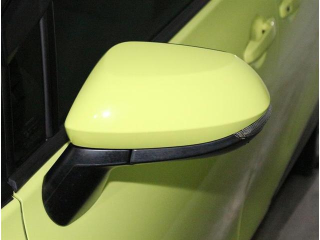 周りの車に、「ウインカー&ハザード」を気付いてもらえる装備です。だから、安全・安心!