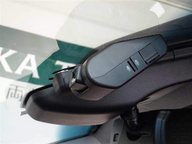 今や必需品、ドライブレコーダーを装備してます。もしもの時の状況証拠に、楽しい旅行の記録としても重宝します。