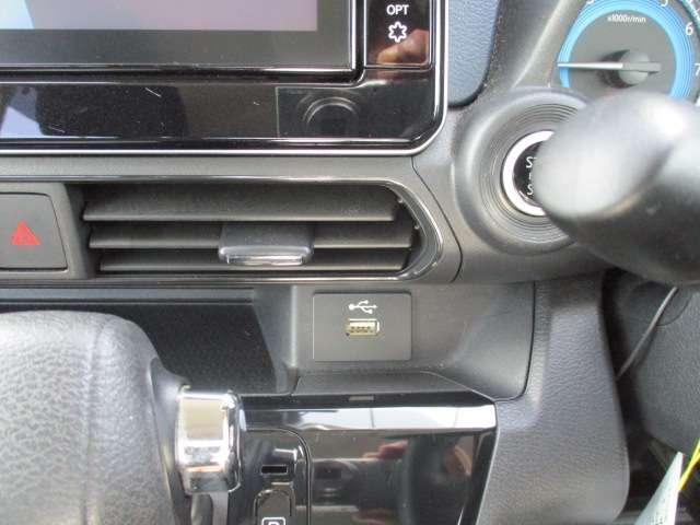 T 衝突軽減ブレーキ 9インチナビ付 LED コーナーセンサー ターボ バックカメラ スマートキー TV 寒冷地 パノラマカメラ フルセグ 衝突軽減装置 1オーナ アルミホイール キーフリー シートヒータ(18枚目)