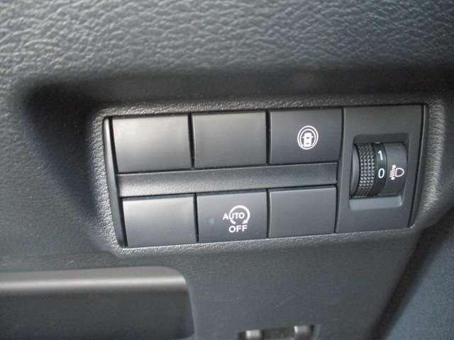 T 衝突軽減ブレーキ 9インチナビ付 LED コーナーセンサー ターボ バックカメラ スマートキー TV 寒冷地 パノラマカメラ フルセグ 衝突軽減装置 1オーナ アルミホイール キーフリー シートヒータ(19枚目)
