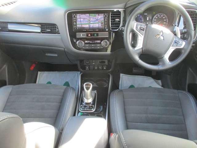 Gプラスパッケージ AC1500W付き ワンオーナー クルコン フルセグTV 4WD ETC シートヒーター 電動リアゲート アラウンドモニター サポカー バックカメラ ワンオーナー パワーシート CD TV(13枚目)