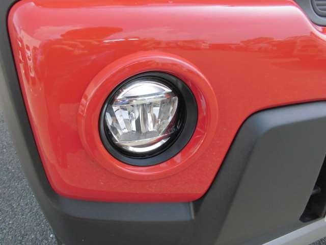 ハイブリッドX ダイヤモンド保証 当社デモカーUP! フルセグ 全方位 4WD スマートキー クリアランスソナー 禁煙車 ナビTV シートヒーター キーレス アイドリングストップ オートエアコン 盗難防止装置 ABS(18枚目)